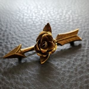VTG Coro brooch